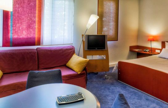 Zimmer Novotel Suites Clermont-Ferrand Polydome