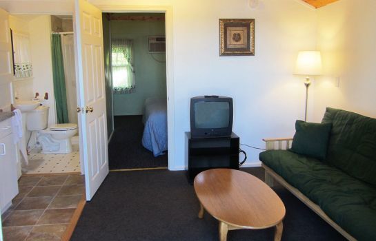 Suite Half Moon Motel & Cottages