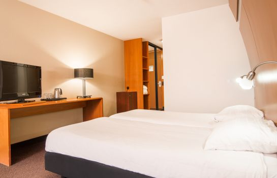 Double room (standard) Thermae 2OOO Wellness Resort (Free Entrance Wellness)