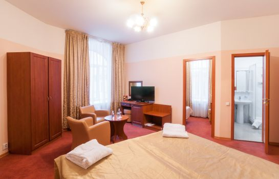 Junior suite Comfitel Demidov Bridge