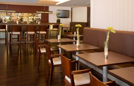 Bar del hotel Park Inn By Radisson Dusseldorf Sud
