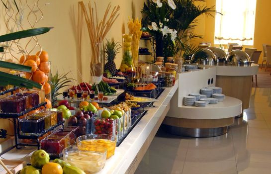 Breakfast buffet WOW Airport Hotel
