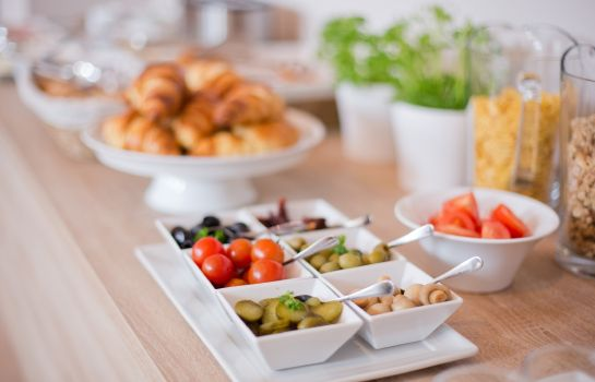 Breakfast buffet Klarov