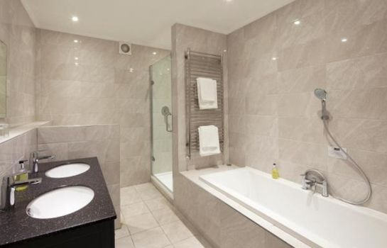 Bagno in camera Elfordleigh Golf & Leisure