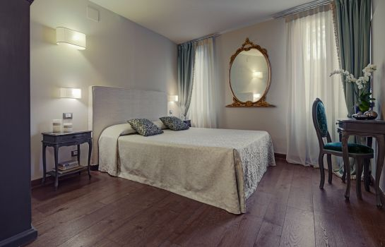 Double room (superior) Locanda Fiorita