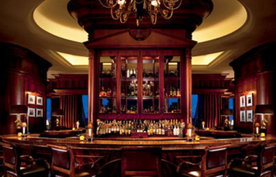 Hotel bar The Ritz-Carlton Guangzhou
