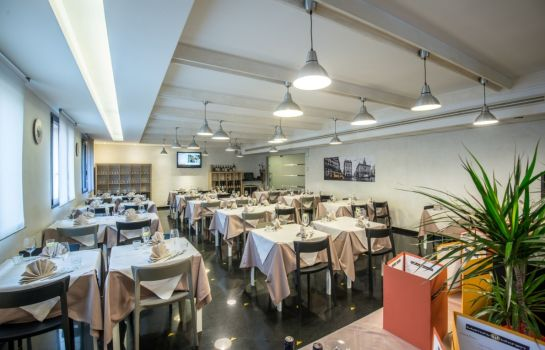 Restaurant As Hotel Cambiago