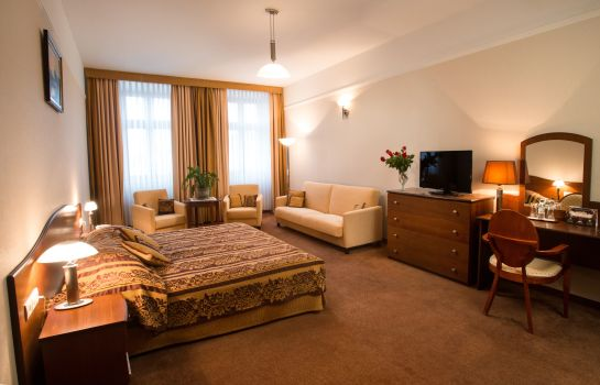 Pokój typu junior suite Ambasadorski Land-gut-Hotel