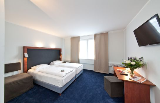 Double room (standard) Novum  Aviva Neue Messe