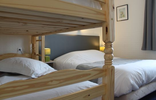 Four-bed room Citotel Lodge La Valette