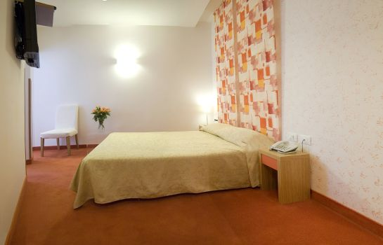 Zimmer Residenza Domizia Guest House