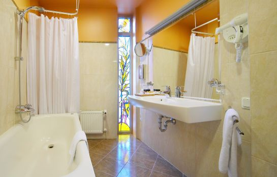 Bagno in camera Royal Square Hotel & Suites