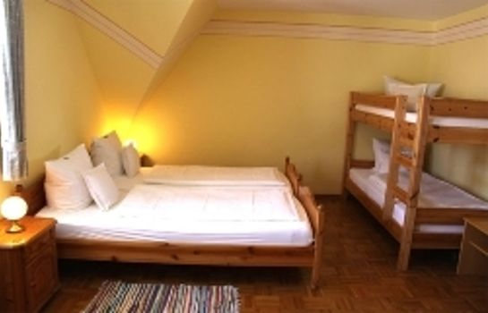 Four-bed room Zum Hirsch Gasthof