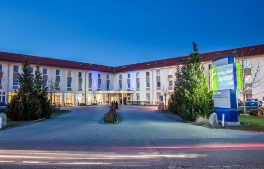 Außenansicht Holiday Inn Express MUNICH AIRPORT
