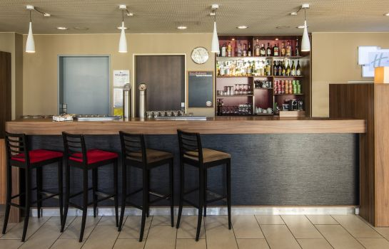 Bar del hotel Holiday Inn Express MUNICH AIRPORT
