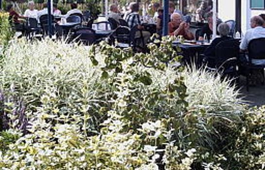 Terrasse Pension Strohm Im Lieth-Cafe