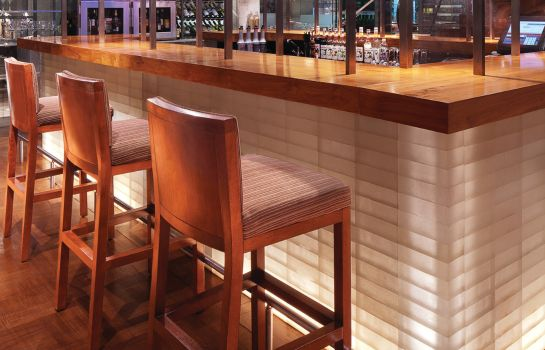 Bar del hotel Four Seasons Hotel Mumbai