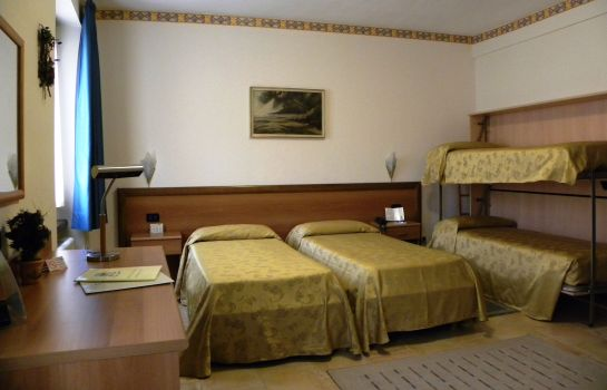 Four-bed room Susa & Stazione