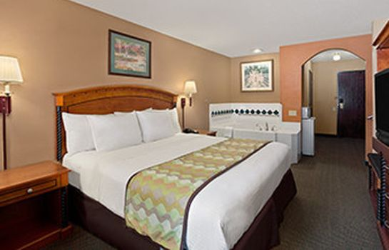 Suite Days Inn by Wyndham North Dallas/Farmers Branch