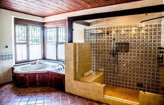 Badezimmer Filadelfia Coffee Resort & Tours