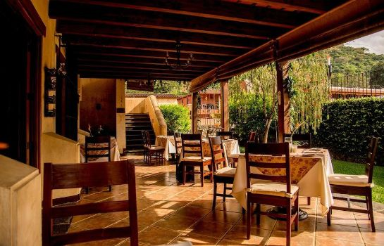 Restaurant Filadelfia Coffee Resort & Tours