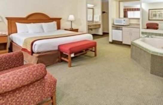 Suite BAYMONT INN & SUITES INDIANAPO