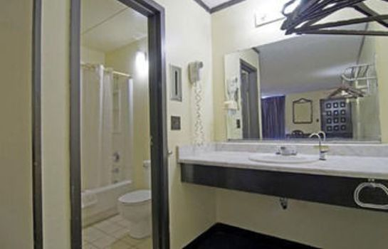 Bagno in camera Budget Inn Charlotte