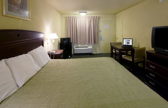 Zimmer Americas Best Value Inn Dallas