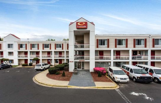 Außenansicht Econo Lodge Inn & Suites Airport