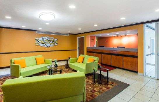 Hotelhalle Econo Lodge Inn & Suites Airport
