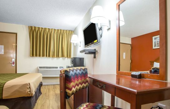 Zimmer Econo Lodge Fort Lee