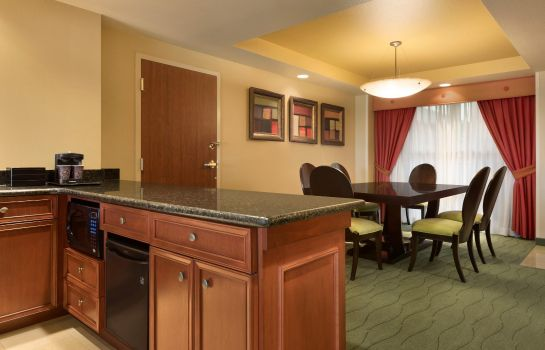 Hotel bar Embassy Suites by Hilton E Peoria Riverfront Conf Center