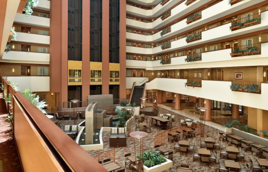 Lobby Embassy Suites by Hilton E Peoria Riverfront Conf Center