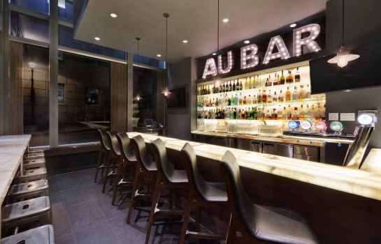 Bar del hotel Embassy Suites by Hilton Montreal