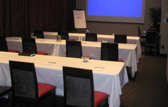 Conference room Embassy Suites by Hilton Montreal