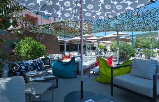 Terrasse Le Golfe Piscine and Spa