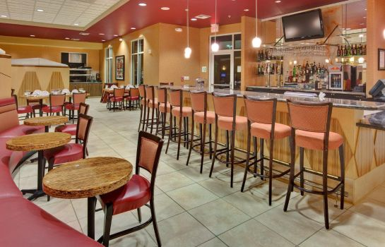 Hotel-Bar Holiday Inn & Suites BAKERSFIELD