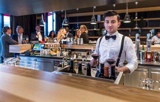 Hotel bar Holiday Inn VILLACH