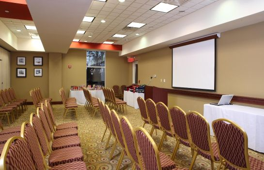 Conference room Hampton Inn - Suites Staten Island