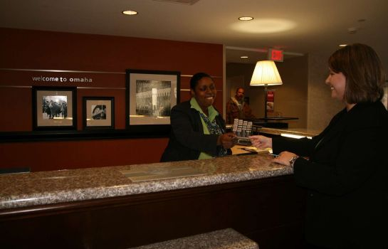 Hotelhalle Hampton Inn - Suites Omaha-Downtown