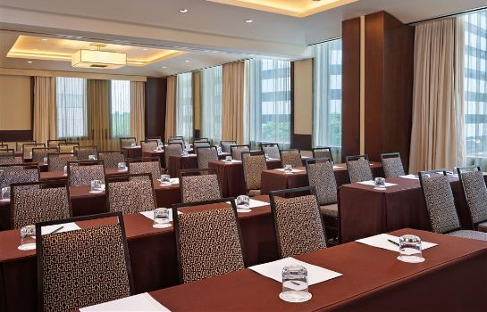Conference room Le Meridien Arlington