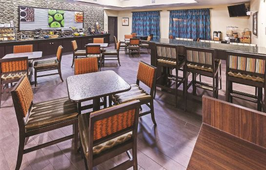 Restaurant La Quinta Inn Ste Houston Hobby Airport