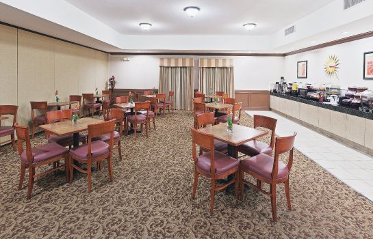 Restaurant La Quinta Inn Ste Houston Katy East