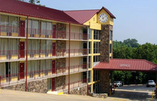 Buitenaanzicht OZARK MOUNTAIN INN