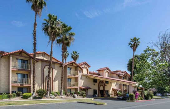 Außenansicht Quality Inn and Suites Bakersfield