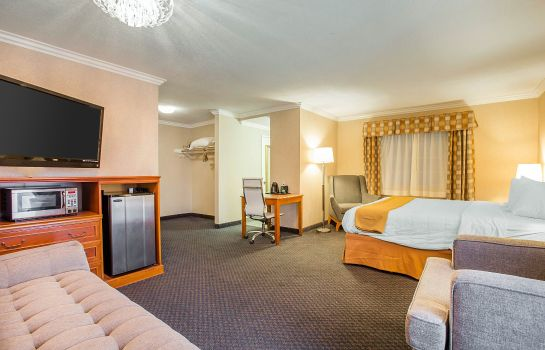 Suite Quality Inn Near Hollywood Walk of Fame