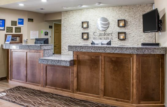 Hall Comfort Inn & Suites Cedar Rapids