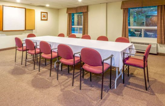 Conference room SUPER 8 MIDLAND
