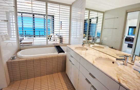 Bathroom Ultra Broadbeach