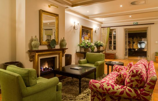 Vestíbulo del hotel African Pride Mount Grace Country House & Spa Autograph Collection